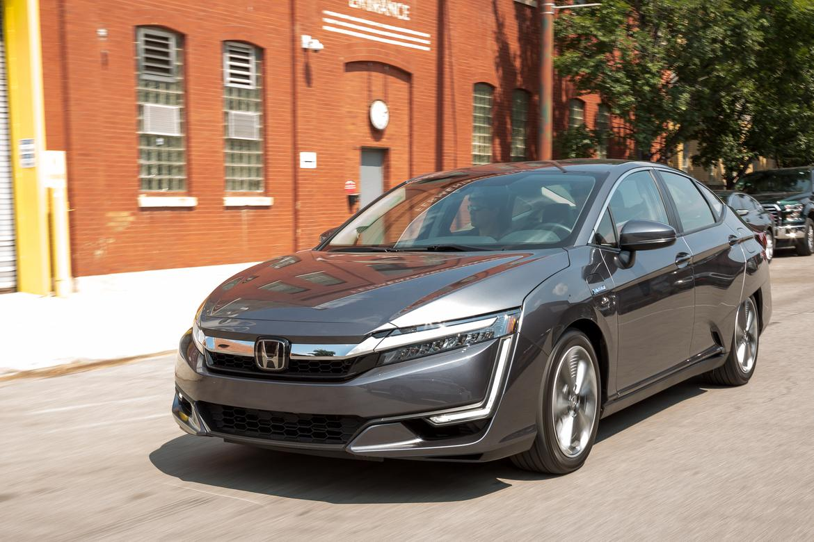 2018 honda clarity plug in hybrid quick drive news. Black Bedroom Furniture Sets. Home Design Ideas