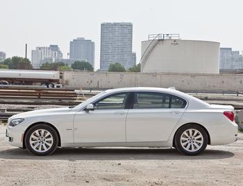 2011 BMW 750 - Our Review | Cars.com