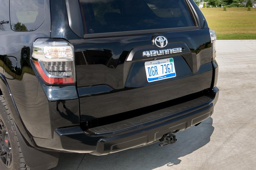 2014 Ford Explorer Towing Capacity >> 2015 Toyota 4Runner - Our Review   Cars.com