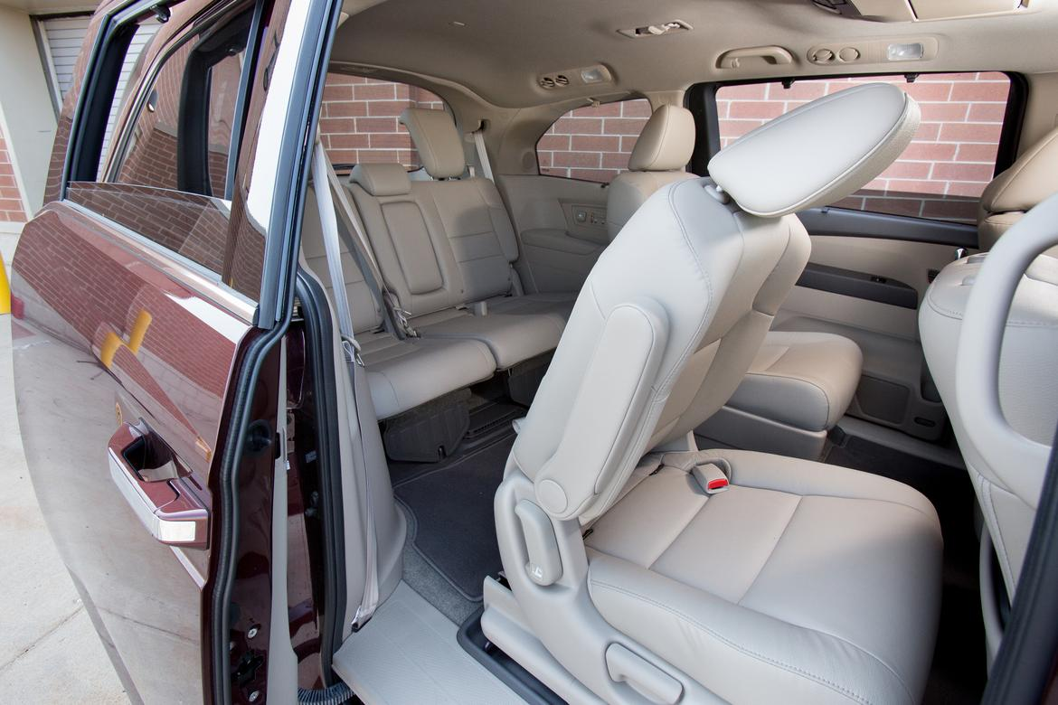 Which Minivan Has the Easiest-to-Access Third Row? | News | Cars.com