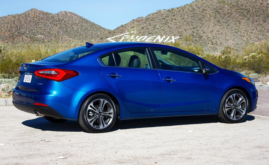 2014 kia forte our review. Black Bedroom Furniture Sets. Home Design Ideas