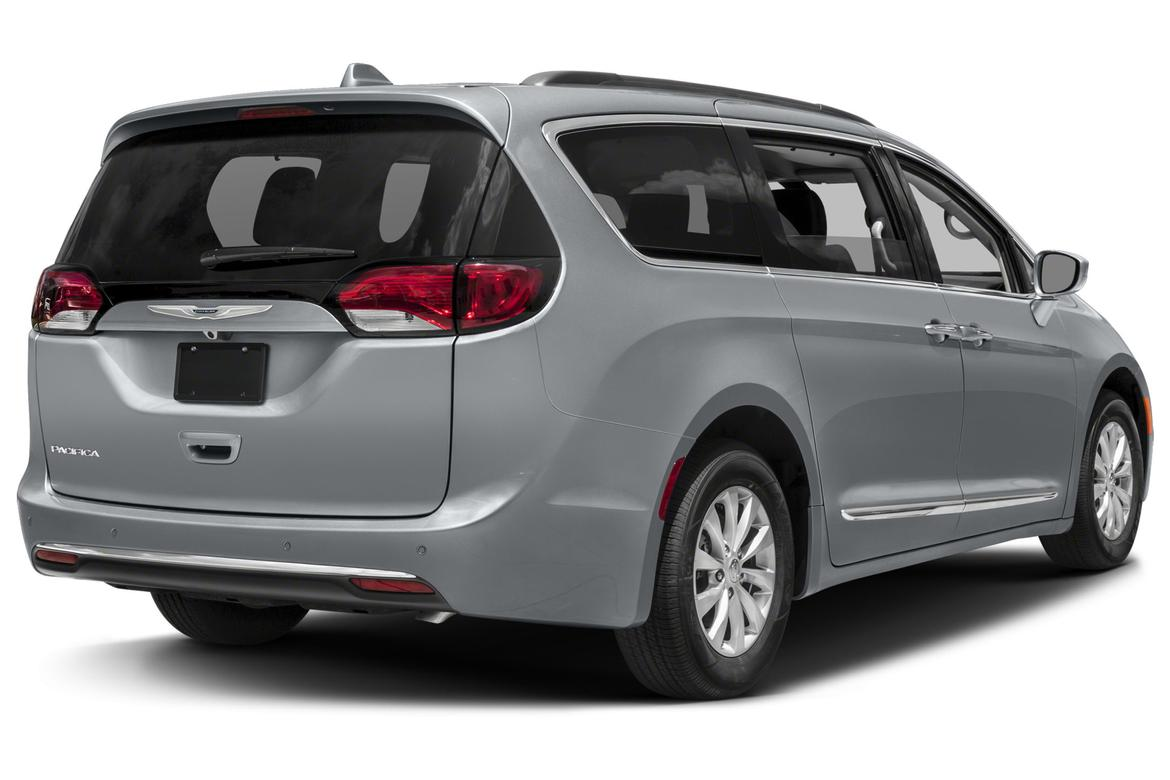 Recall Alert: 2017 Chrysler Pacifica | News | Cars.com