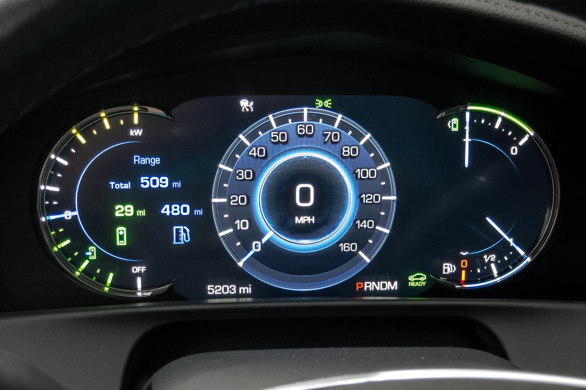 02-cadillac-ct6-hybrid-instrument panel-interior.jpg