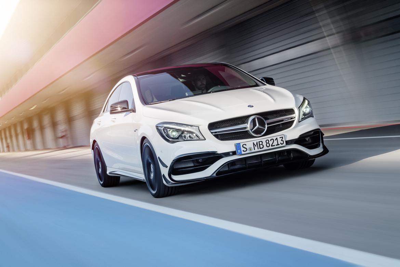 17Mercedes-Benz_CLA-Class_OEM12.jpg