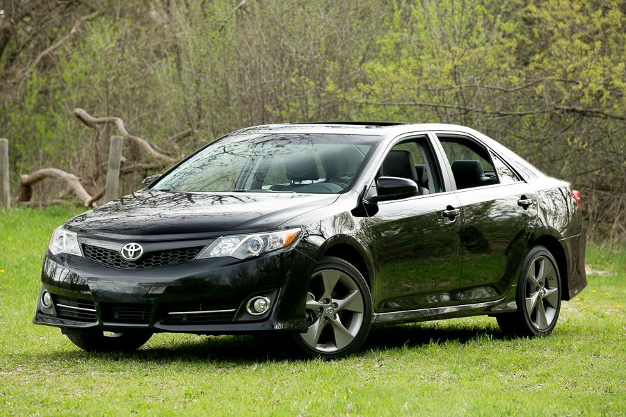 2014 toyota camry our review. Black Bedroom Furniture Sets. Home Design Ideas
