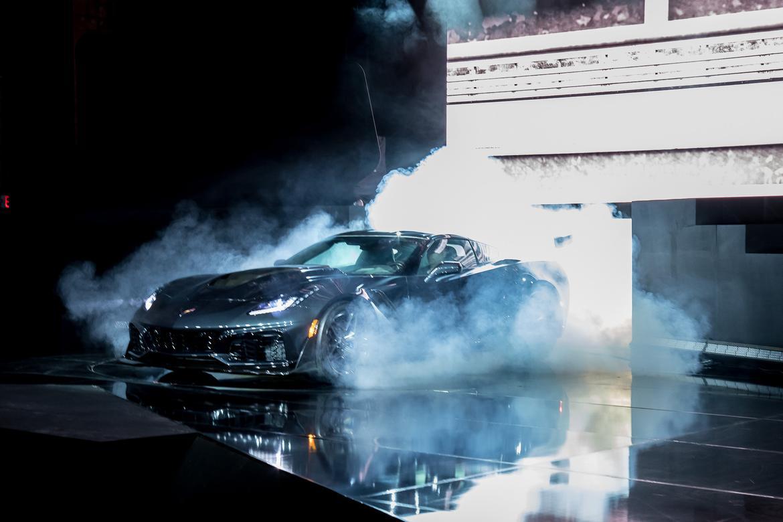 19-<a href=chevrolet.php > <a href=chevrolet.php > Chevrolet </a> </a>-corvette-zr1-2019-17LAAS--angle--autoshow--exterior