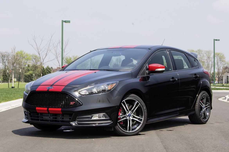 15Ford_FocusST_01_AB.jpg & 2015 Ford Focus ST: Cheap Speed Challenge Rematch | News | Cars.com markmcfarlin.com