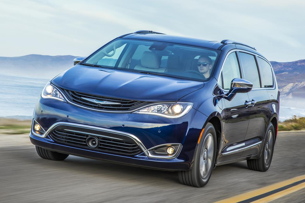 2019 <a href=https://autousedengines.com/used-chrysler-engines>chrysler</a> pacifica hybrid.jpg