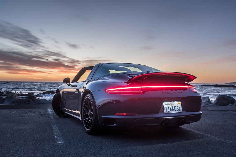 05-porsche-911-targa-4-gts-2018-blue-exterior-rear angle.jpg