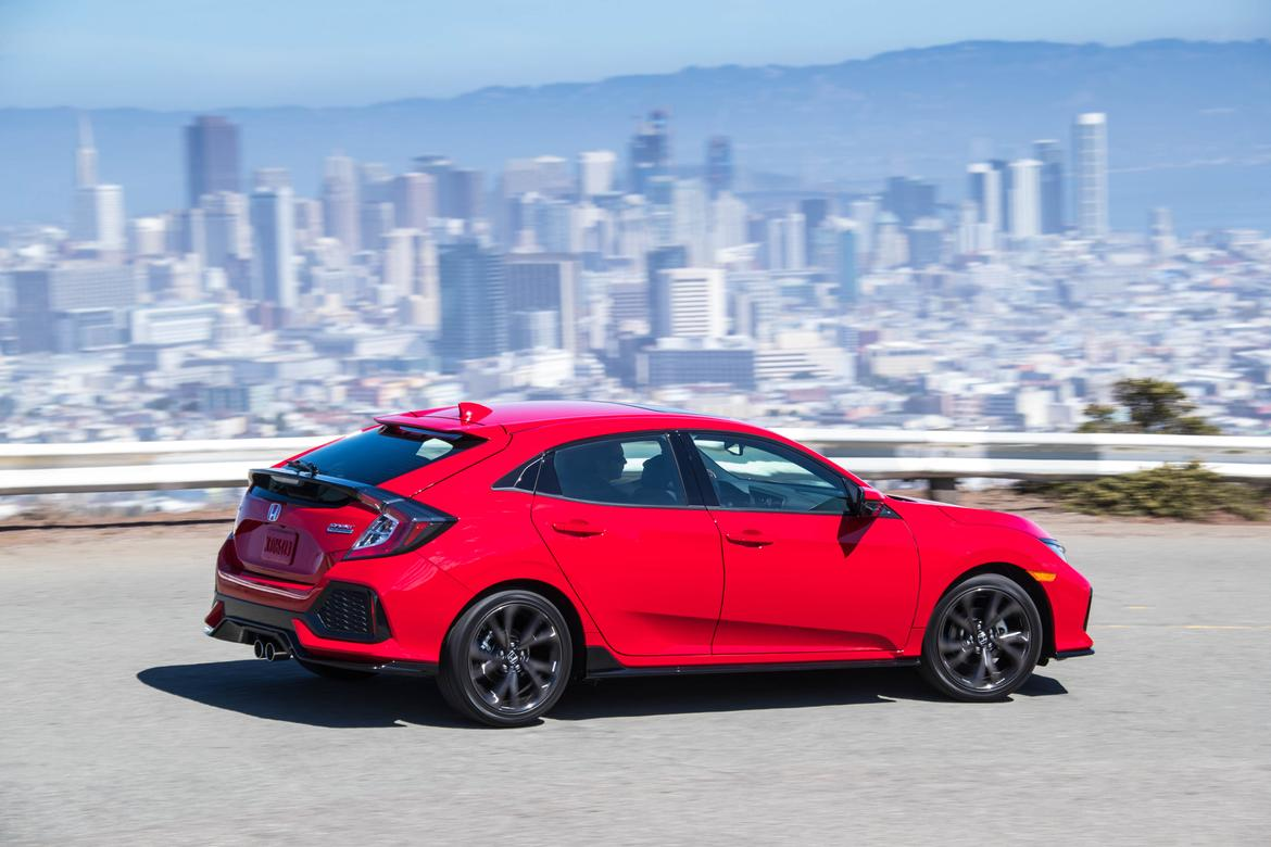 2017 honda civic hatchback makes turbo engine more affordable news. Black Bedroom Furniture Sets. Home Design Ideas