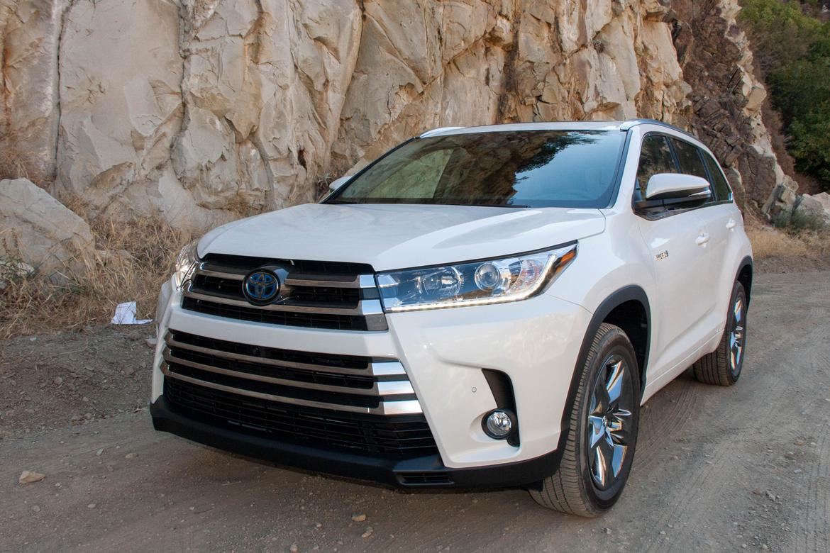 2017 toyota highlander and highlander hybrid review first drive news. Black Bedroom Furniture Sets. Home Design Ideas