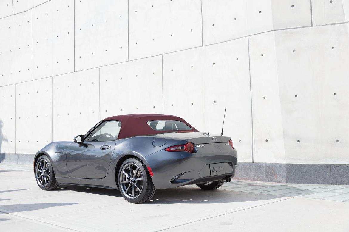 18_Mazda_MX-5_Miata_Whats_Changed_OEM.jpg