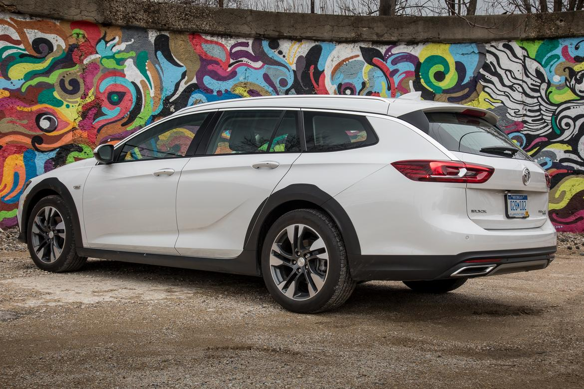 2018 Buick Regal Tourx Does The Wagon Improve On The Regal S Laggin