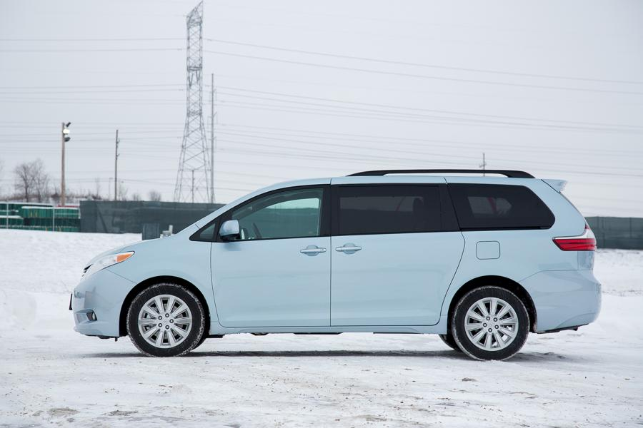 2015 toyota sienna our review. Black Bedroom Furniture Sets. Home Design Ideas