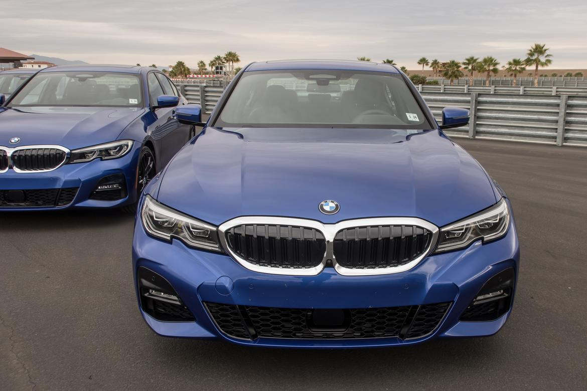 04-<a href=https://www.autopartmax.com/used-bmw-engines>bmw</a>-330i-2019-blue--exterior--front--grille--track.jpg