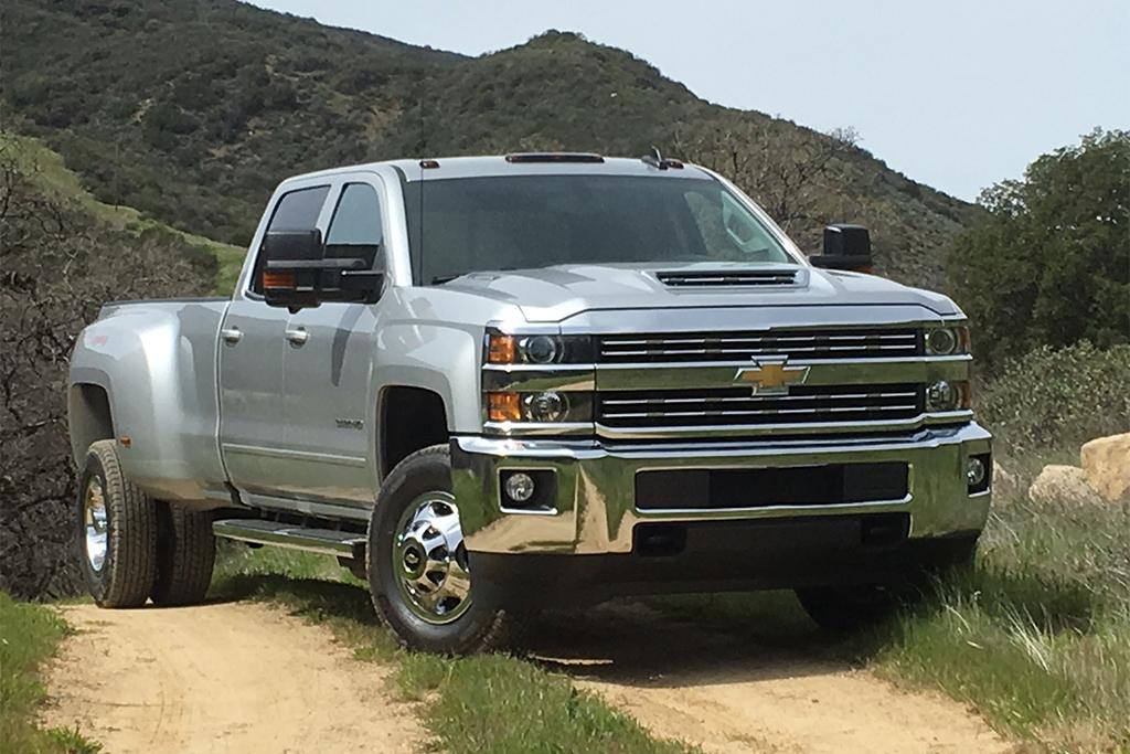 17_Chevrolet_Silverado_MW.jpg