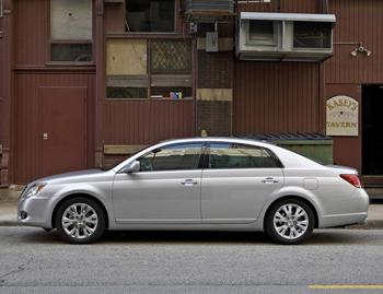 2009 toyota avalon our review. Black Bedroom Furniture Sets. Home Design Ideas