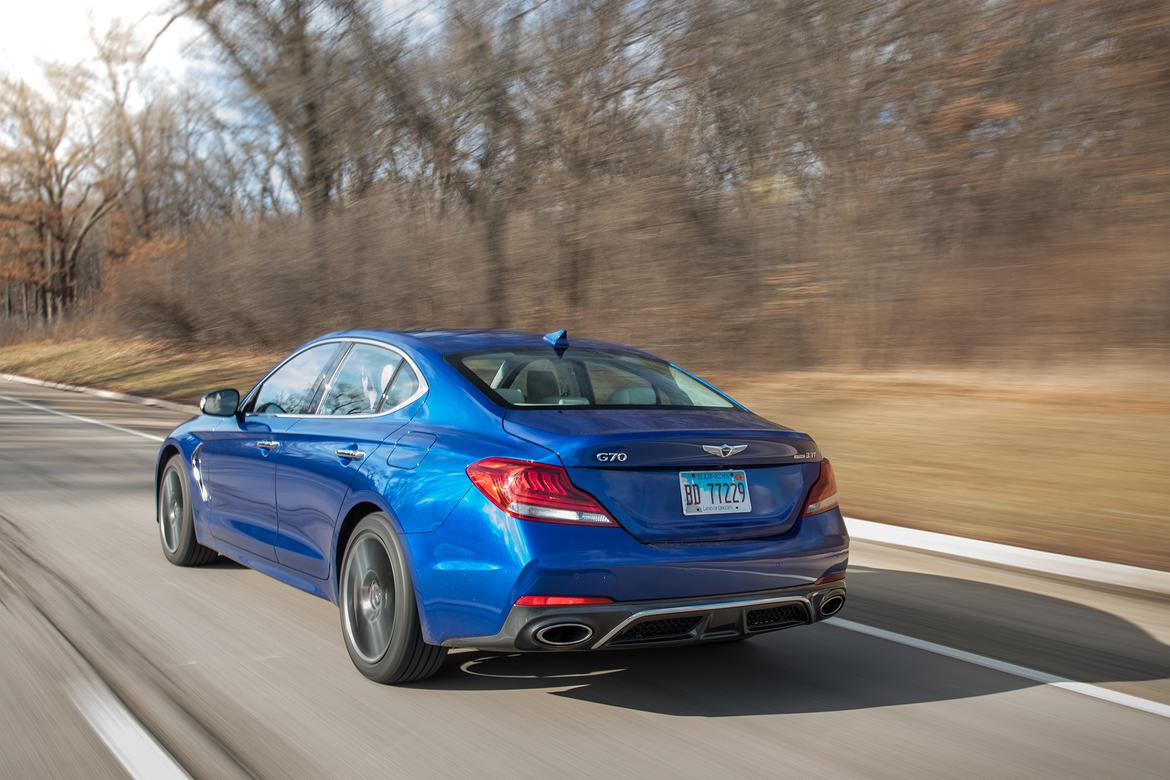 04-genesis-g70-2019-angle--autumn--blue--dynamic--exterior--rear