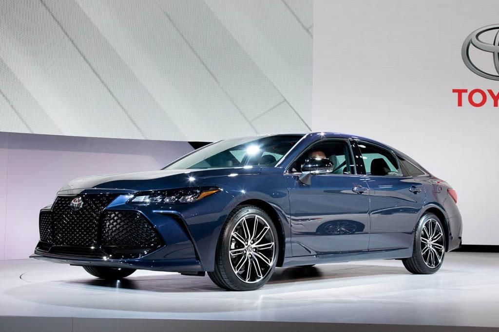 19_Toyota_Avalon_CL.jpg