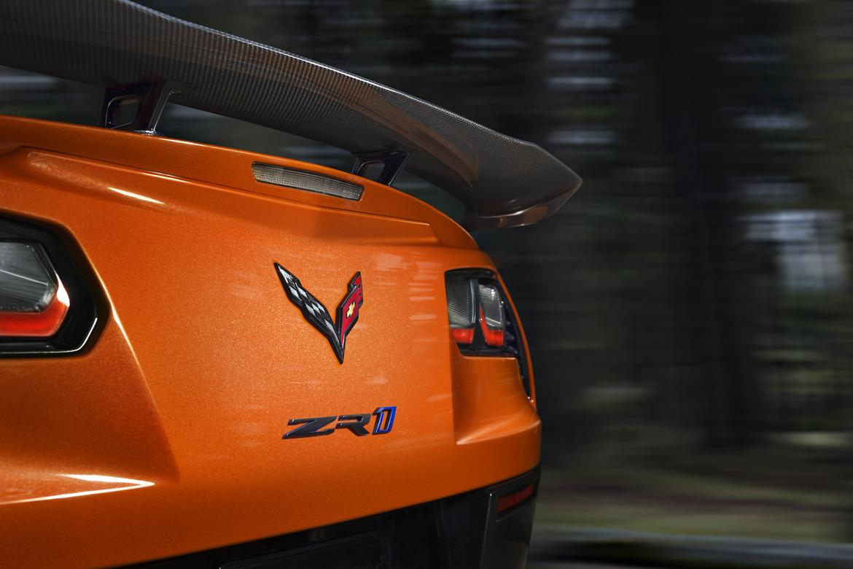 19<a href=chevrolet.php > Chevrolet </a>_CorvetteZR1_05_MFR.jpg