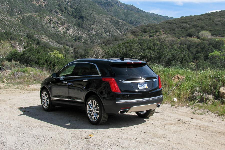 2017 cadillac xt5 our review. Black Bedroom Furniture Sets. Home Design Ideas