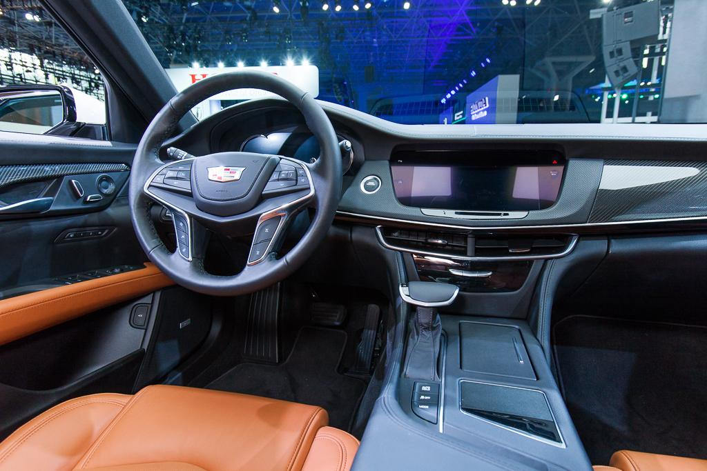 2016 cadillac ct6 looks great outside falters inside news. Black Bedroom Furniture Sets. Home Design Ideas