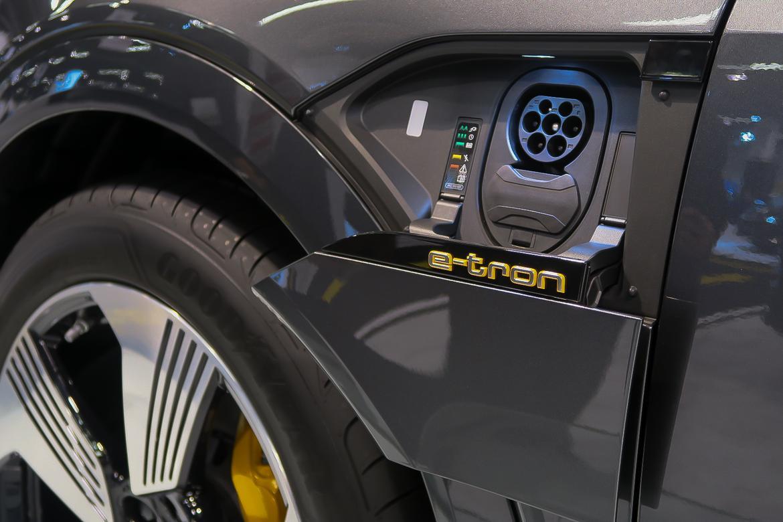 11-<a href=https://www.sharperedgeengines.com/used-audi-engines>audi</a>-e-tron-55-quattro-2019-autoshow--charging-port--exterior