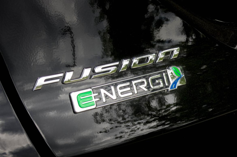 17Ford_Fusion-Energi_AB_06.jpg