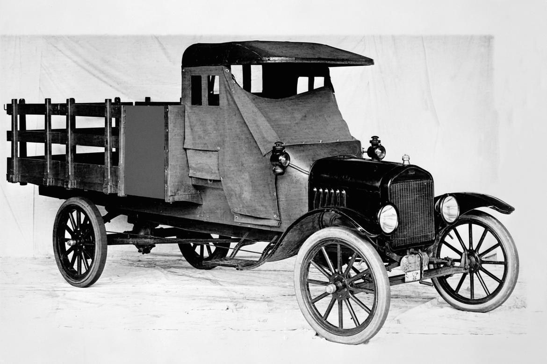 1918 Ford Model TT one-ton stake bed truck neg 98801A.jpg