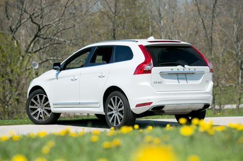 2015 Volvo XC60 RealWorld Cargo Space  News  Carscom