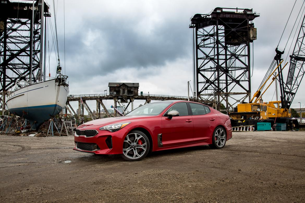 02-kia-stinger-2018-angle-exterior-front-red.jpg