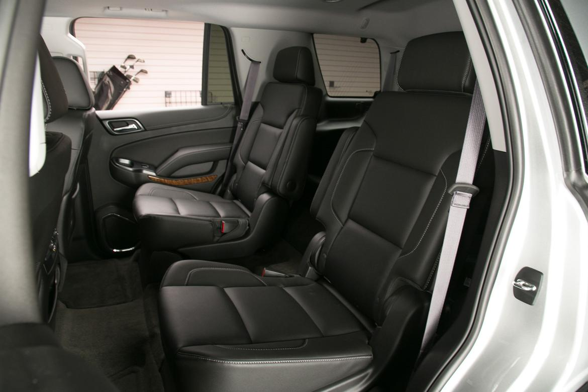 15_Chevrolet_Tahoe_captainchairs_ES.jpg