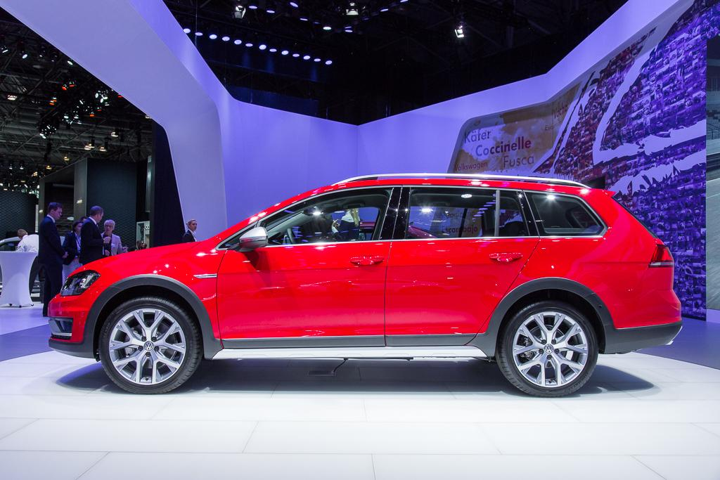 2017 vw golf sportwagen alltrack ready to take on subaru outback news. Black Bedroom Furniture Sets. Home Design Ideas