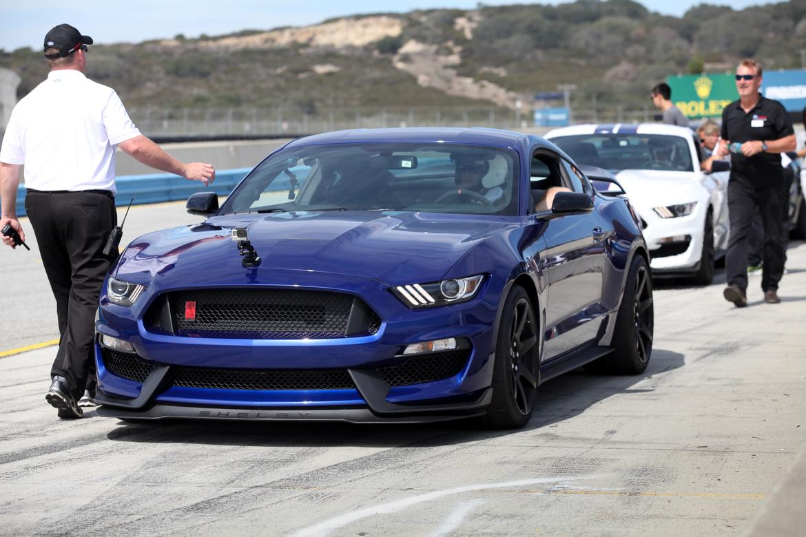 2016 ford mustang shelby gt350 first drive. Black Bedroom Furniture Sets. Home Design Ideas