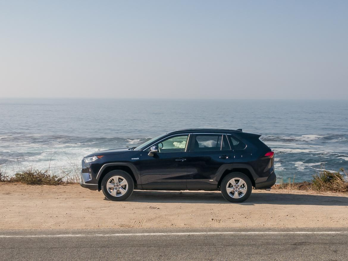 02-<a href=https://autousedengines.com/used-toyota-engines>toyota</a>-rav4-hybrid-2019-black--exterior--ocean--profile.jpg