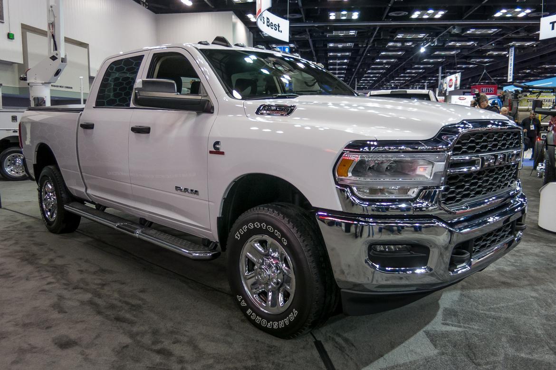 01-ram-2500-hd-tradesman-2019-angle--exterior--front--white.jpg