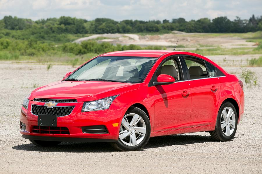 2014 chevrolet cruze our review. Black Bedroom Furniture Sets. Home Design Ideas