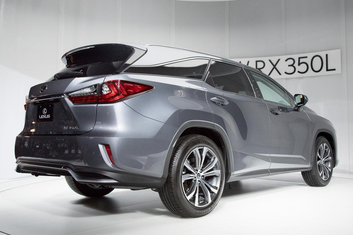 12-<a href=lexus.php > <a href=lexus.php > Lexus </a> </a>-rx350l-2018-17LAAS--angle--autoshow--exterior--rear--si
