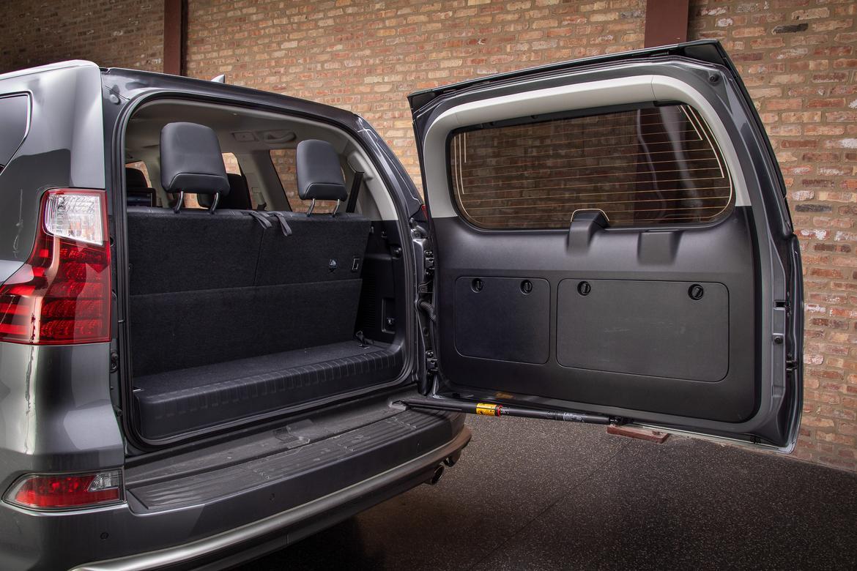 10-lexus-gx-460-2019-interior--swing-gate--trunk.jpg