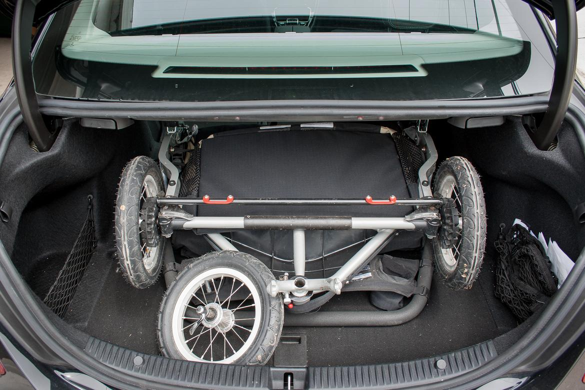 What can you fit in a mercedes benz c class trunk news for Mercedes benz baby pram