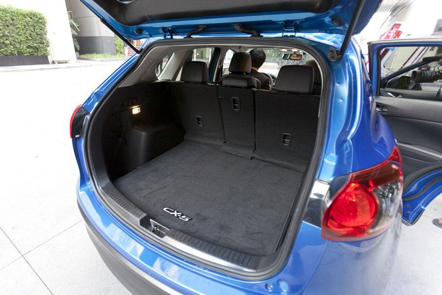 mazda cx 5 interior volume. Black Bedroom Furniture Sets. Home Design Ideas