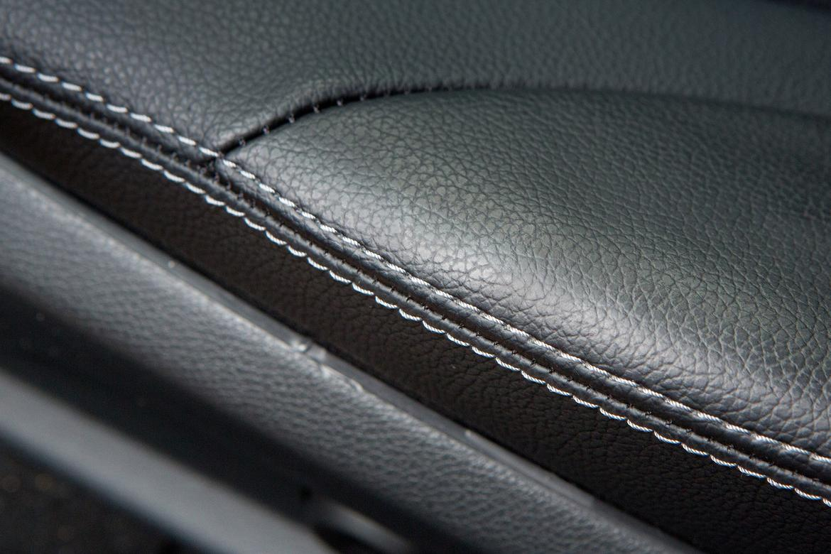 what are the pros and cons of leather and leatherette