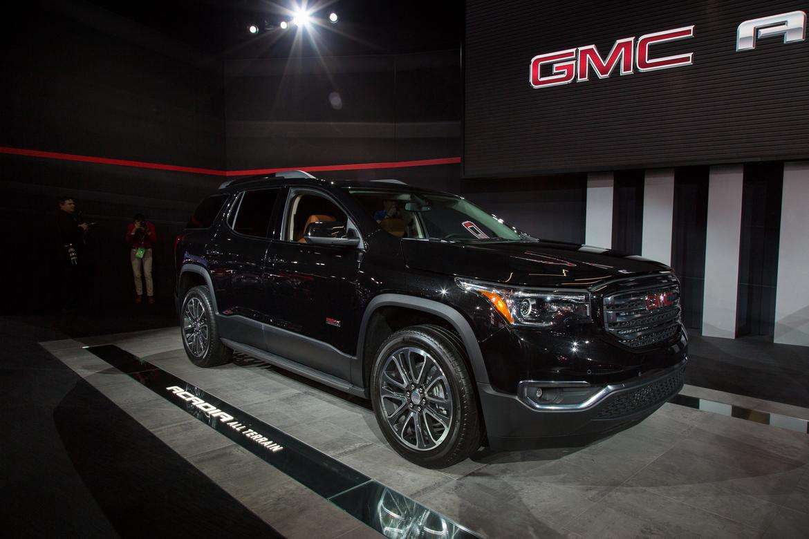 2017 gmc acadia first impressions news. Black Bedroom Furniture Sets. Home Design Ideas