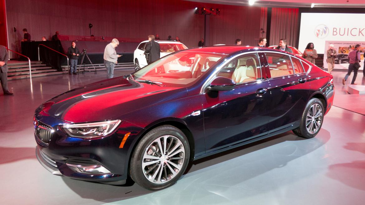 new buick regal gs trades turbo 4 cylinder for v 6 news. Black Bedroom Furniture Sets. Home Design Ideas