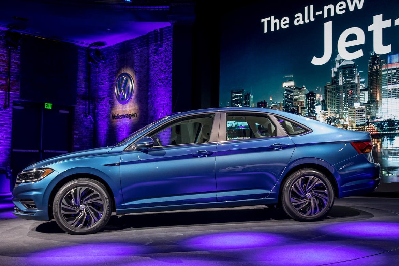 02-volkswagen-jetta-2019-autoshow-blue-exterior-profile.jpg
