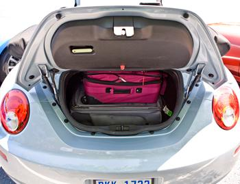2010 Volkswagen New Beetle - Our Review | Cars.com