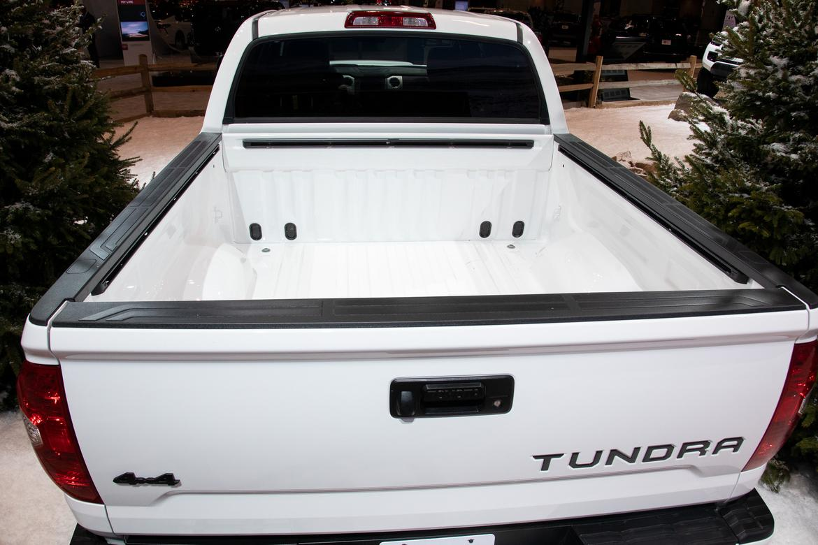 05-<a href=https://www.sharperedgeengines.com/used-toyota-engines>toyota</a>-tundra-2020-cl.jpg
