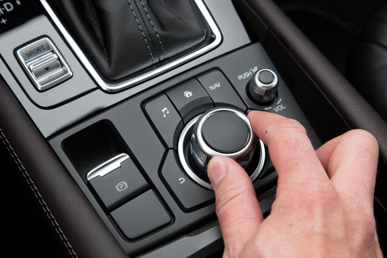 17Mazda_Mazda3_SO_ES_30.jpg
