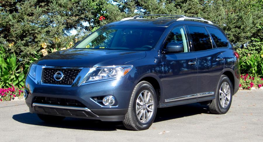 2014 nissan pathfinder our review. Black Bedroom Furniture Sets. Home Design Ideas