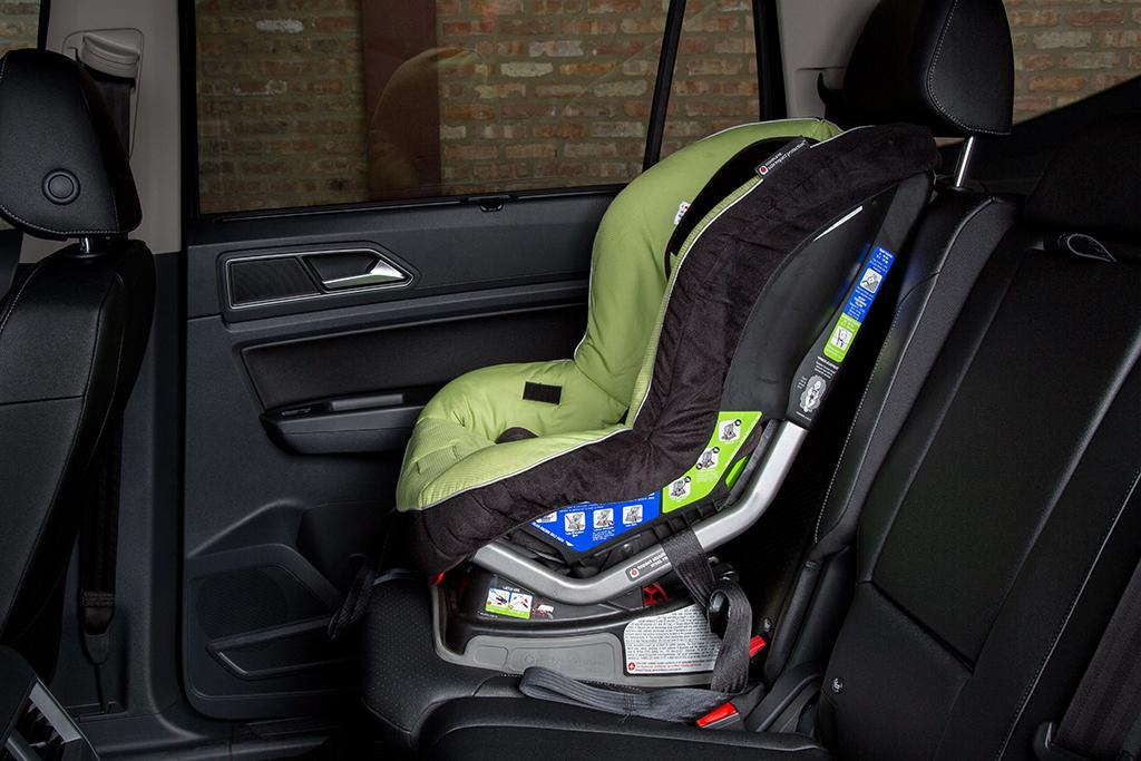 which 3 row suvs fit car seats best news. Black Bedroom Furniture Sets. Home Design Ideas